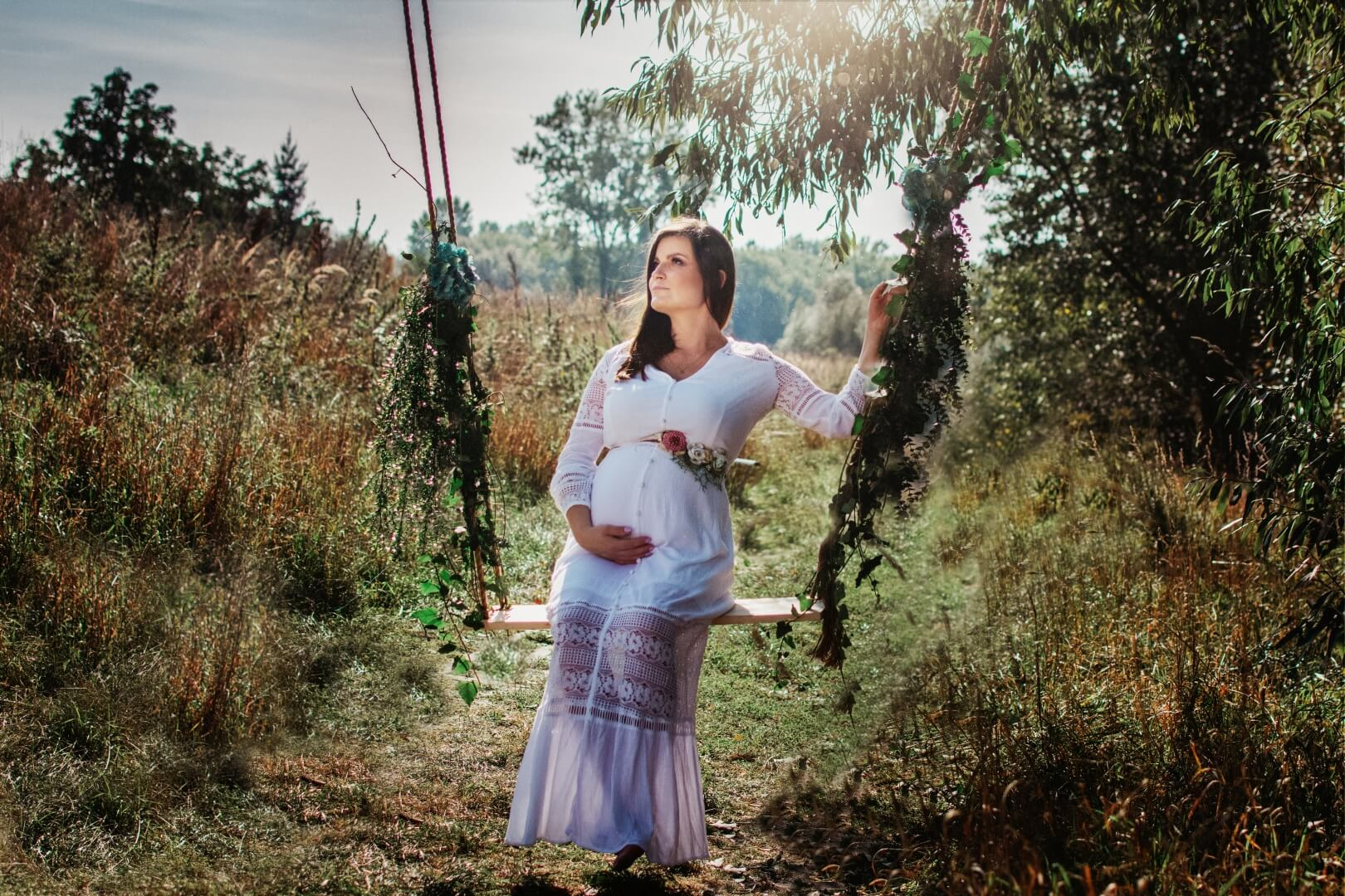 Zdjęcie ciążowe na huśtawce 01